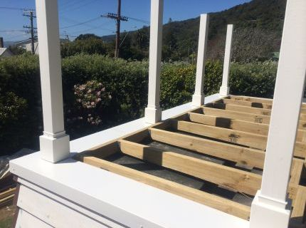 Welded alloy powder coated deck flashing